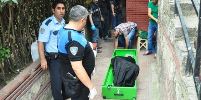 Belediye tuvaletinde erkek cesedi bulundu