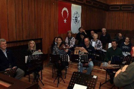 Türk Sanat Müziği Topluluğuna katılım artıyor