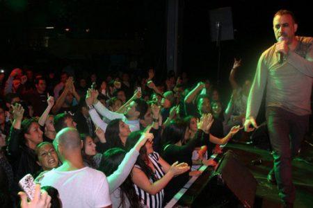 Haluk Levent'ten Suriyeli Mülteciler İçin Anlamlı Konser