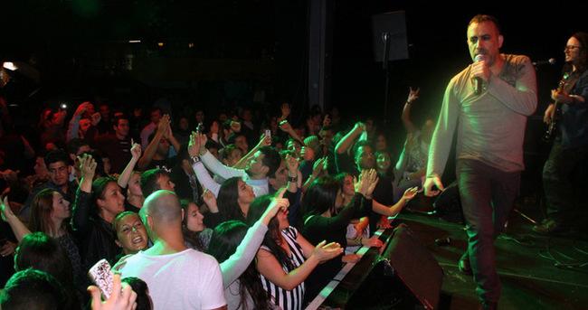 Haluk Levenet'ten Suriyeli Mülteciler İçin Anlamlı Konser