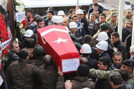 Şırnak 'ta Şehit düşen özel harekat polisi toprağa verildi